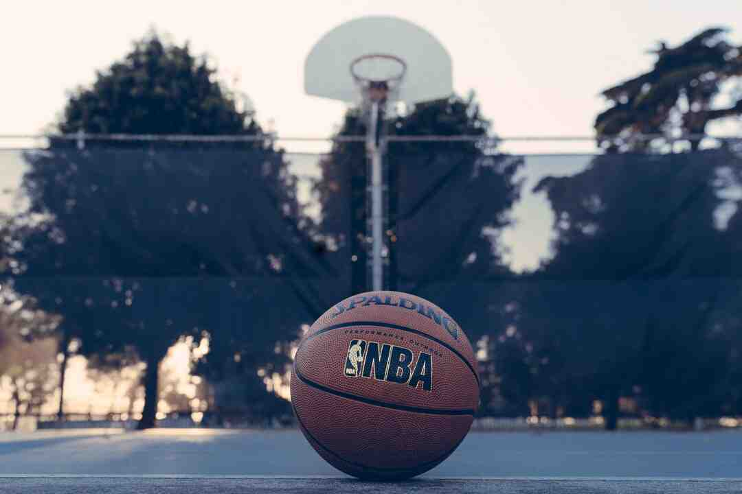 Où se joue le Basket-ball ?