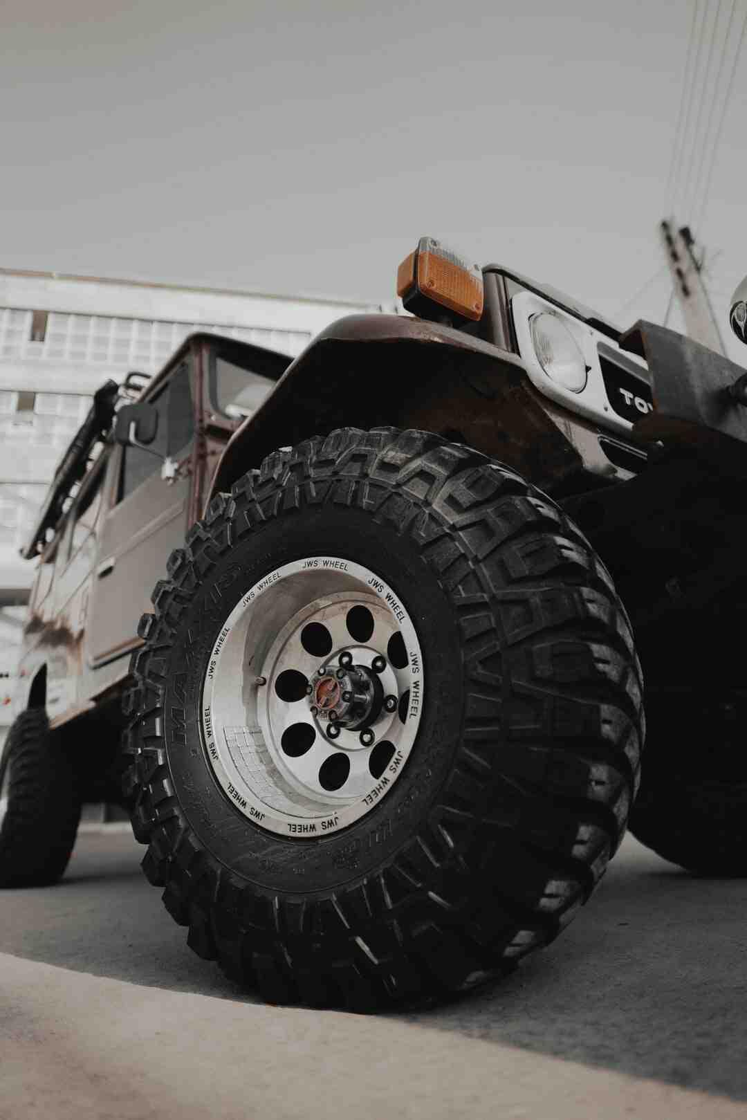 Comment réparer un trou dans un pneu ?