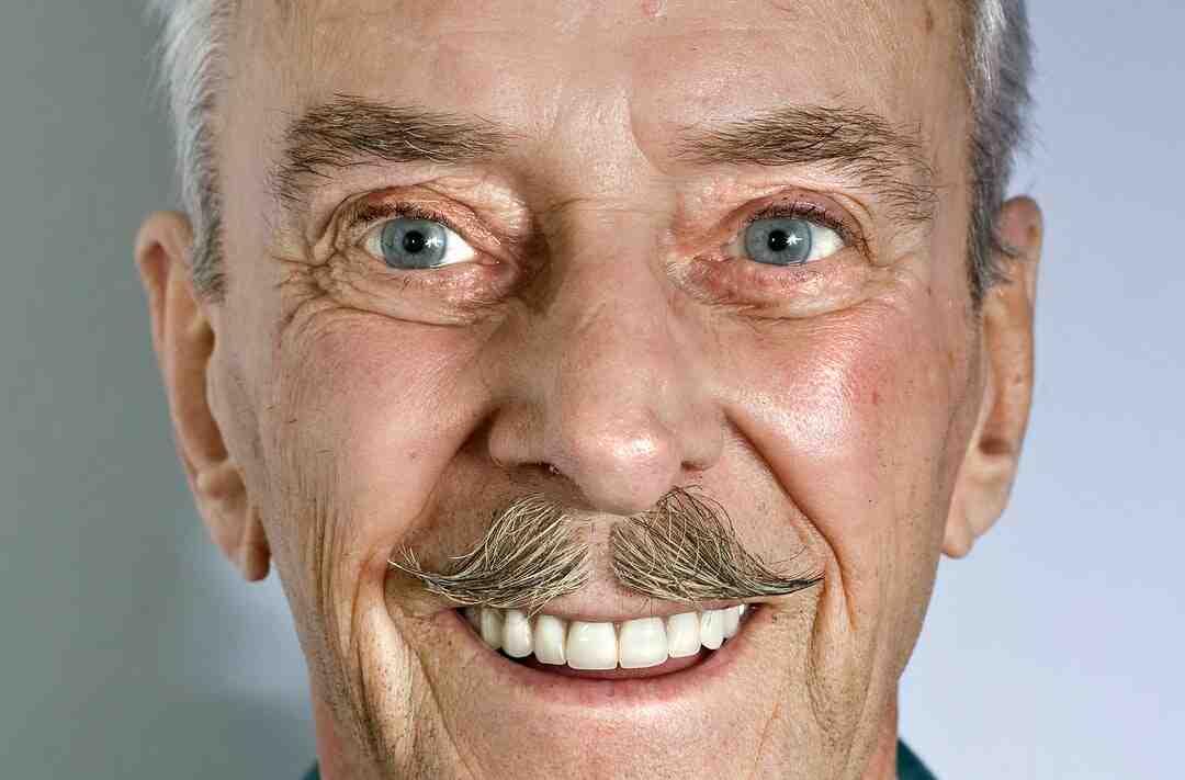 Quelle action est soutenue par la marque moustache ?