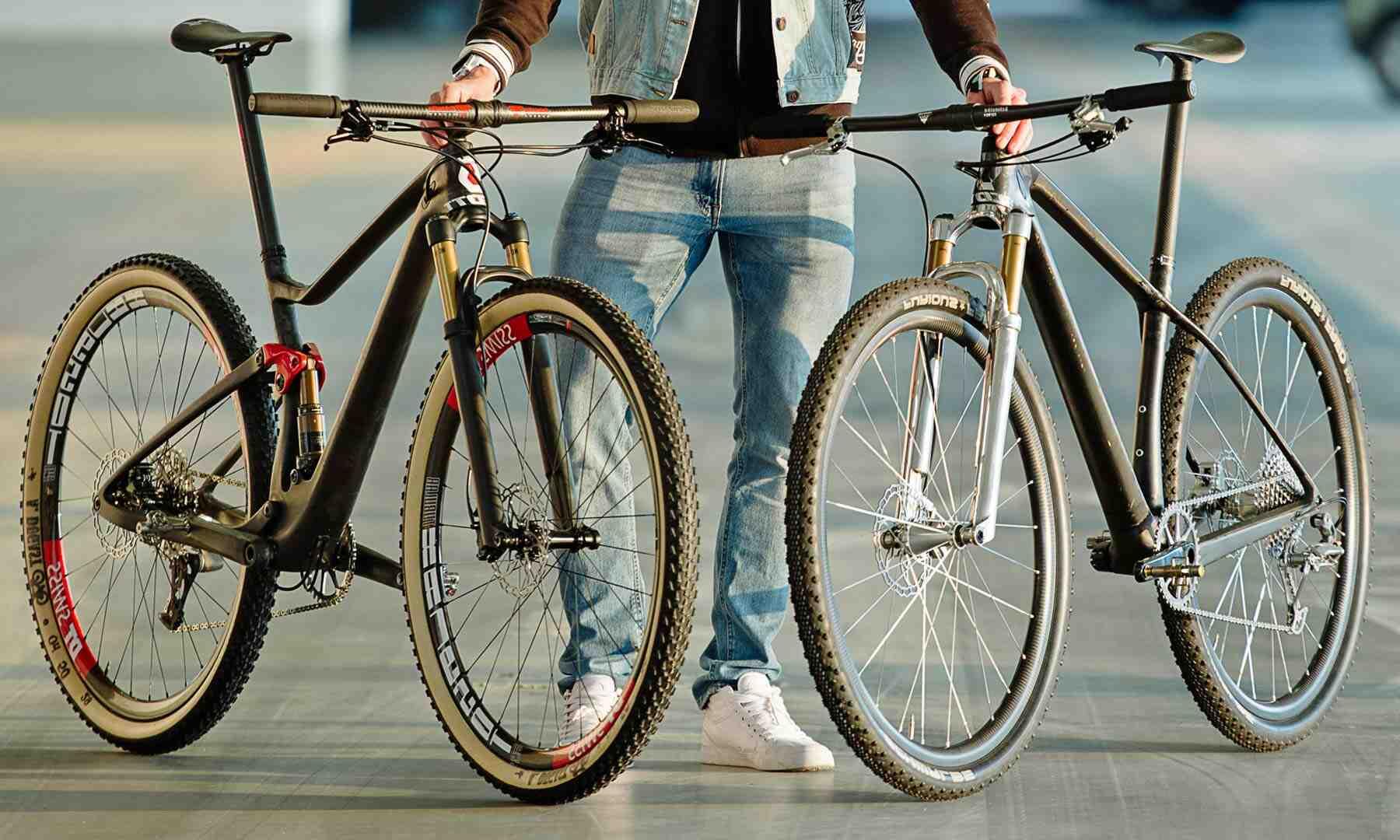 Quels sont les avantages et les inconvénients de l'utilisation du carbone pour les cadres de vélo ?
